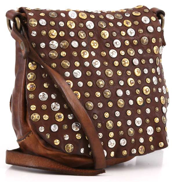 Campomaggi-lavats-Italain-leather-bags-with-studs