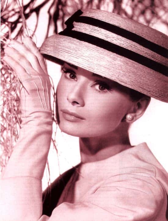 Audrey Hepburn - Chic, Style With An Elegant Fashion Flare  (1)