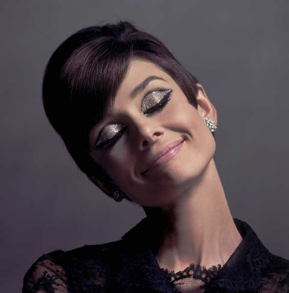 Audrey Hepburn - Chic, Style With An Elegant Fashion Flare (18)