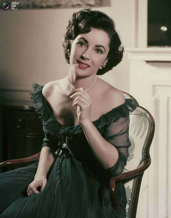 Elizabeth Taylor Fashion Icon Hollywoods Most Alluring One