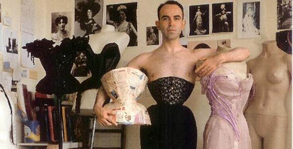 Mr Pearl – Can Men Wear Corsets?