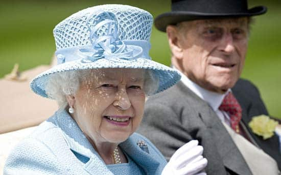 queen-elizabeth-royal-ascot-blue-hat-2012