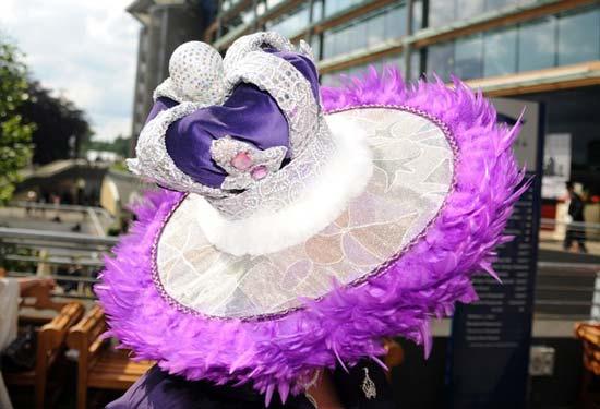royal-ascot-2012-womens,queen-hat