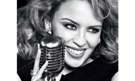 Kylie Minogue – Stage Fashion Hits
