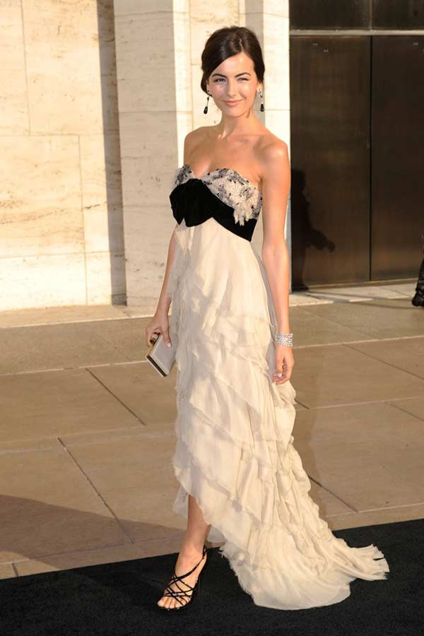 camilla-main-heading-to-the-opera