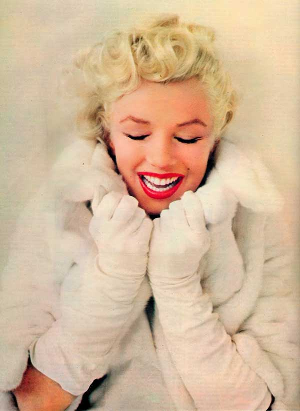 marylin-monroe,wearing-vintage-fur-coat