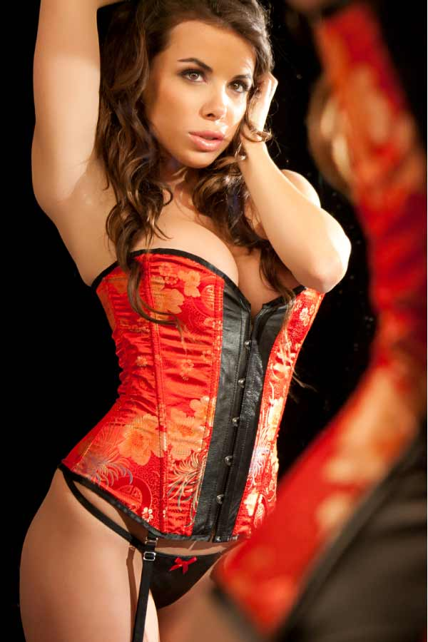 Corsets - How To Look Hot In The Bedroom And Beyond-1644