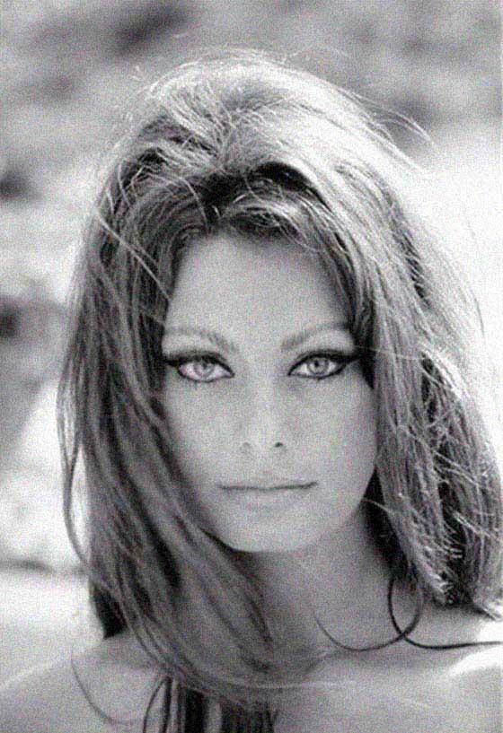 Sophia Loren - La Bella Fashionista (6)