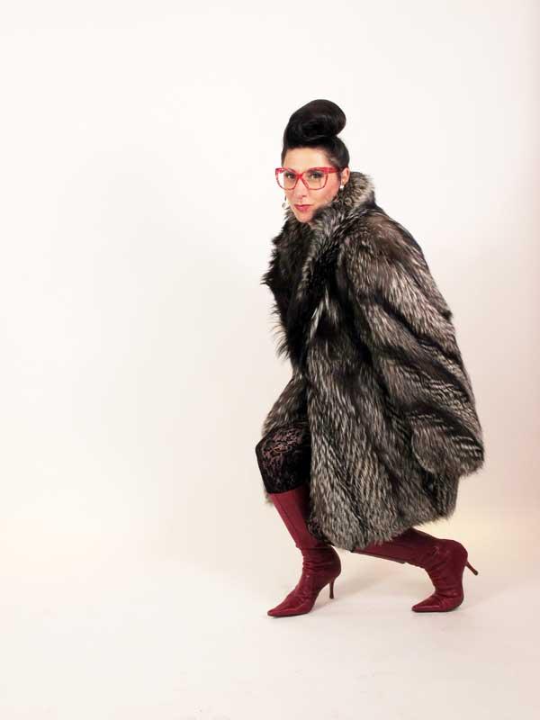 Gracie Opulanza - Wearing Vintage Fashion