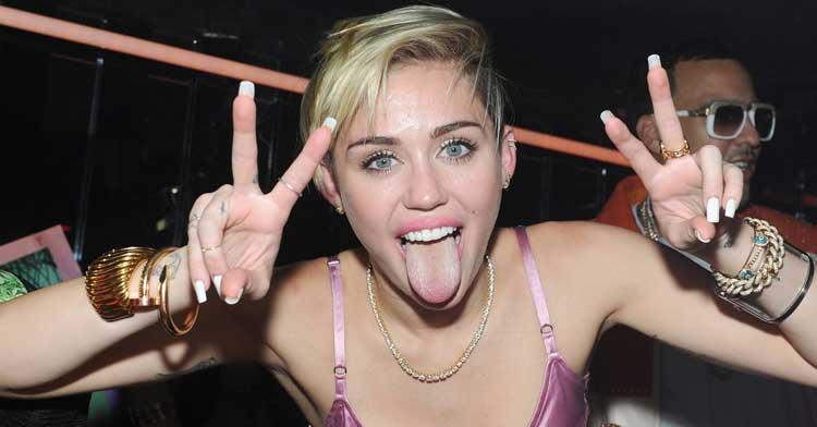 Miley-Cyrus-peace
