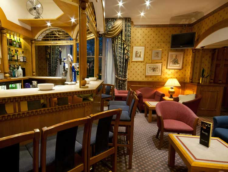 phoenix-hotel-london-uk.jpg-bar
