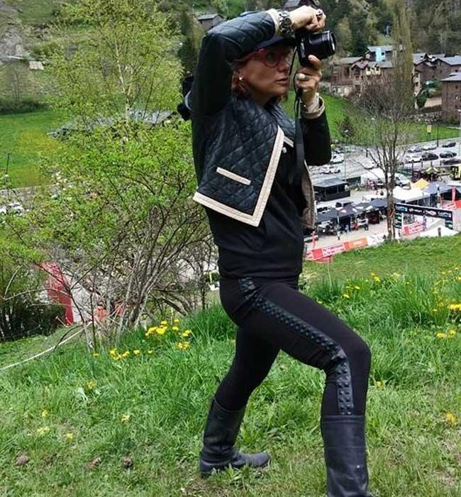 Gracie-OPulanza-Downhill-Mountain-Biking-Andorra-2015-eyewear-1