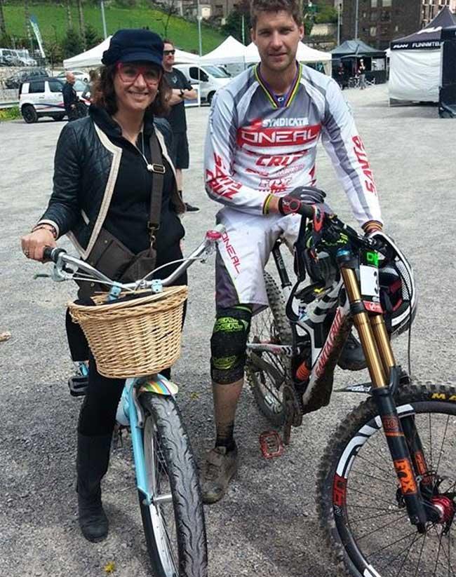 Gracie Opulanza GIANT Fashion bike with Greg Minnaar Downhill mountain World Champion 2015
