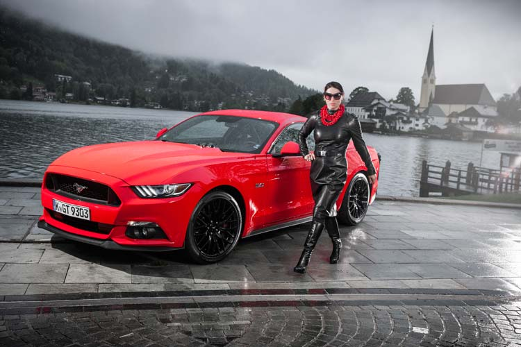 gracie-opulanza-ford-mustang