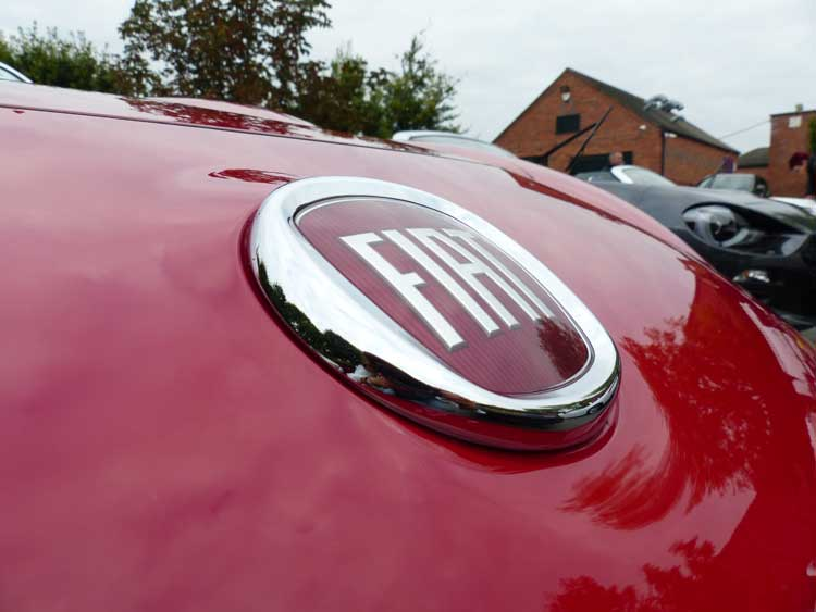 fiat-124spider-shot-by-gracie-opulanza-for-menstylefashion-7