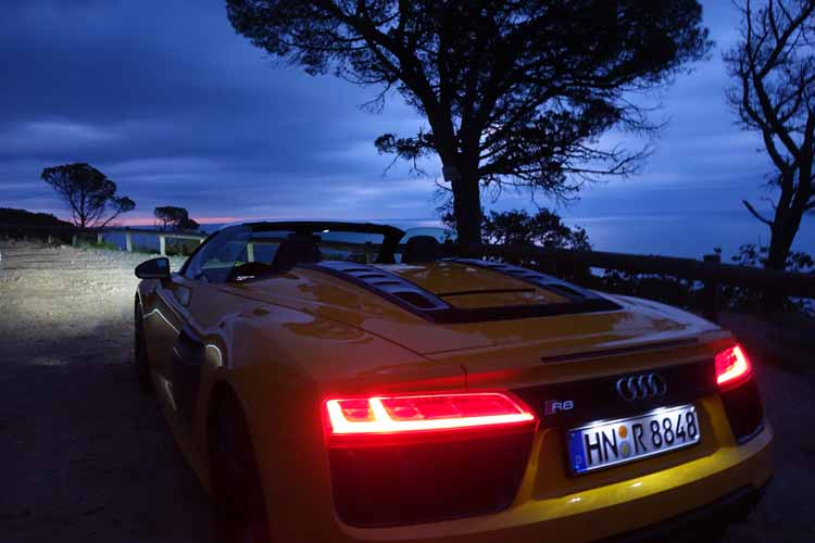 audi r8 spyder v10 driven red by day yellow by night gracie opulanza. Black Bedroom Furniture Sets. Home Design Ideas
