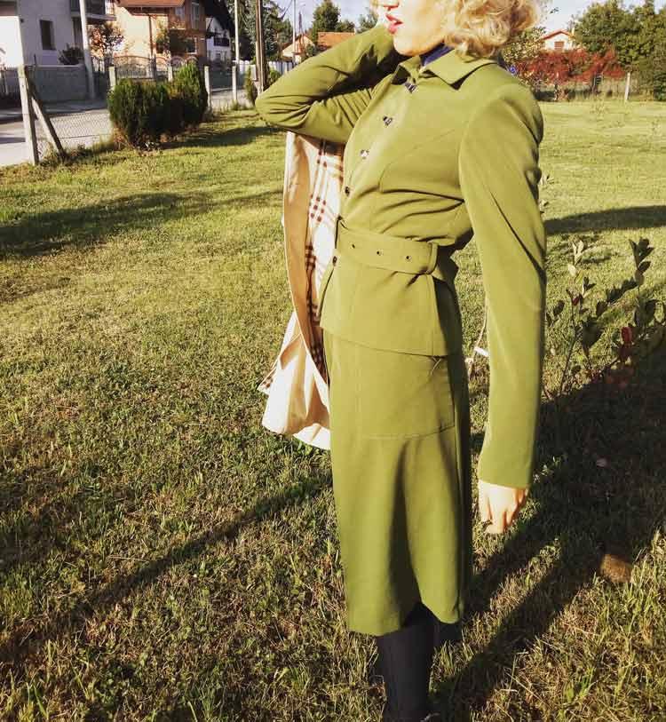 monique-collignon-mihaela-markovic-gracie-opulanza-marketing-100-plastic-suit-3