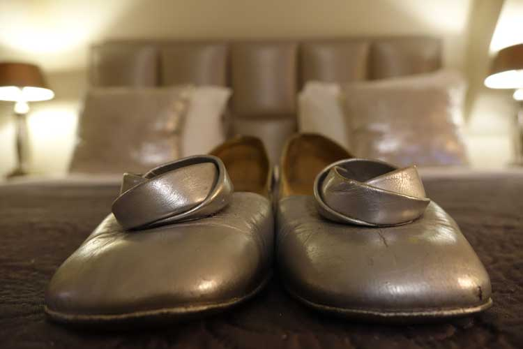 bally-1950s-vintage-silver-shoe-gracie-opulanza-1-1