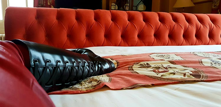 Leather knee high boots Bentley GT 2018 Fashion bedroom