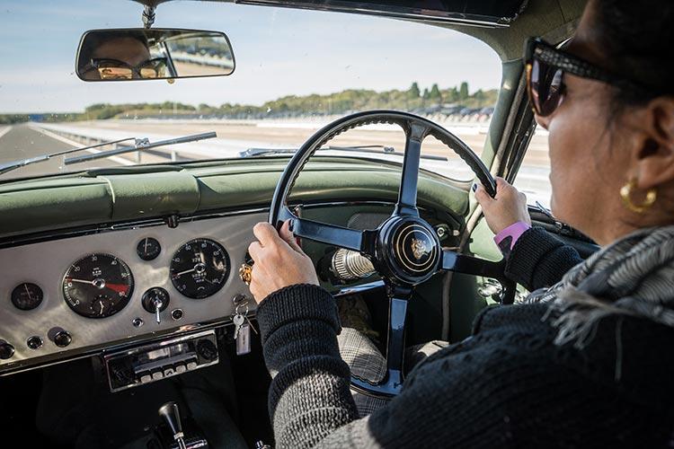 jaguar vintage car track day united kingdom gracie opulanza