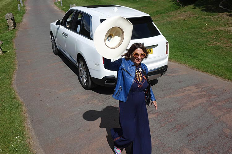 olls Royce Cullinan SUV MenStyleFashion 2019 Artic White United Kingdom (11) Gracie Opulanza