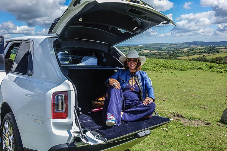 Rolls Royce Cullinan SUV MenStyleFashion 2019 Artic White United Kingdom (10) Devon
