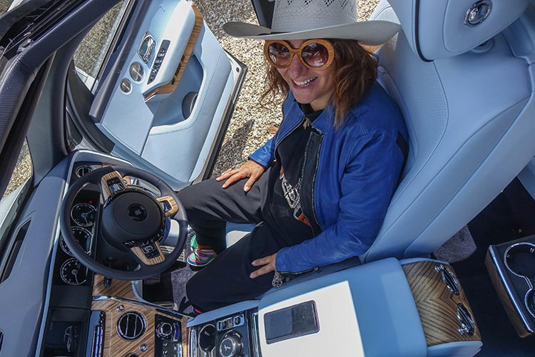 Rolls Royce Cullinan SUV MenStyleFashion 2019 Artic White United Kingdom (5) Gracie Opulanza Fashion